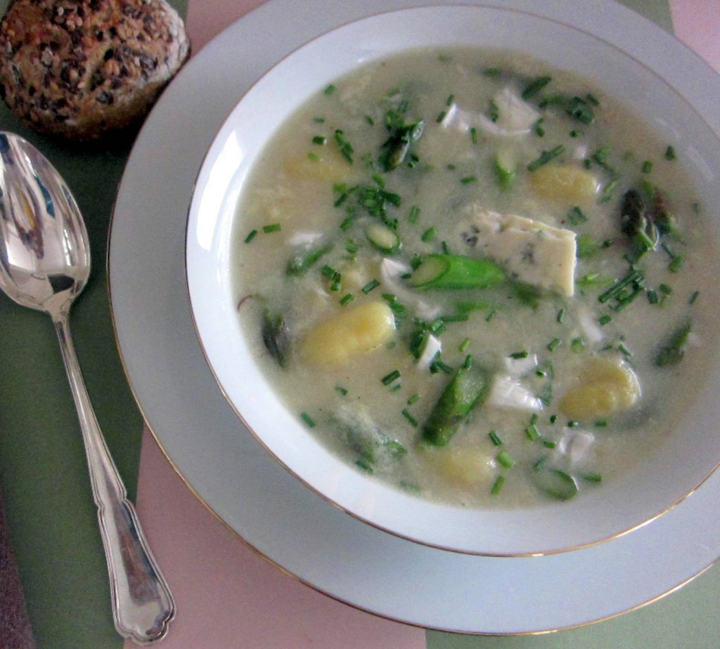 Brodo with Asparagus, Gnocchi, and Blue Cheese 1 1515x1368