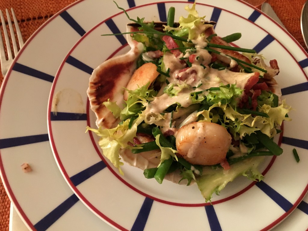 Frisée Salad with Scallops, Haricots Verts, and Bacon