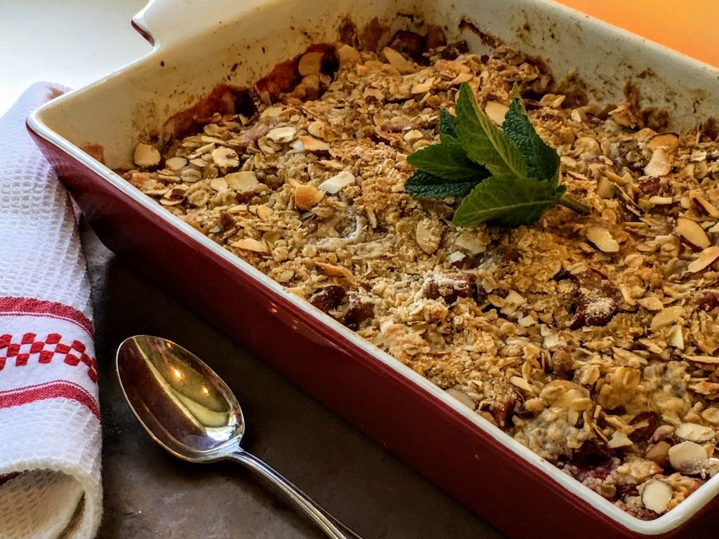Rhubarb and Strawberry Crumble with Mascarpone Whipped Cream